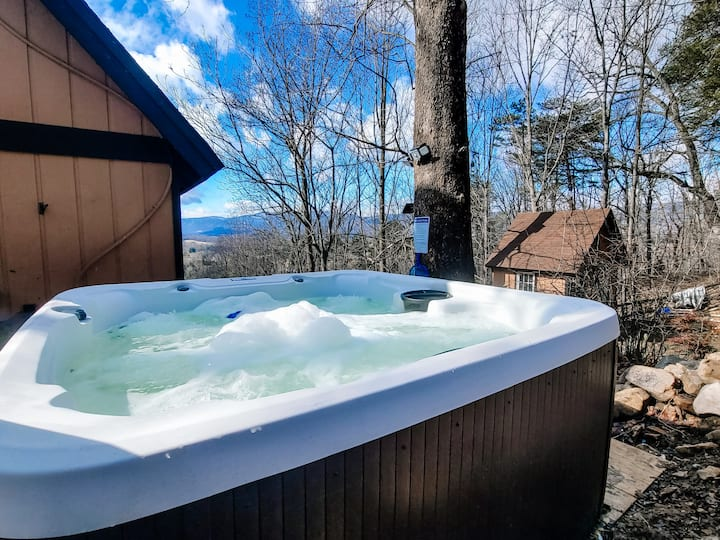 •The Hygge Escape • Hot Tub 🔥 Dog friendly Chalet