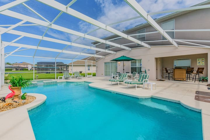 Luxury Home with Exceptional Games Room. 610