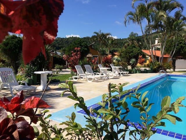 Chalés Villa Bella  Ponta das Canas