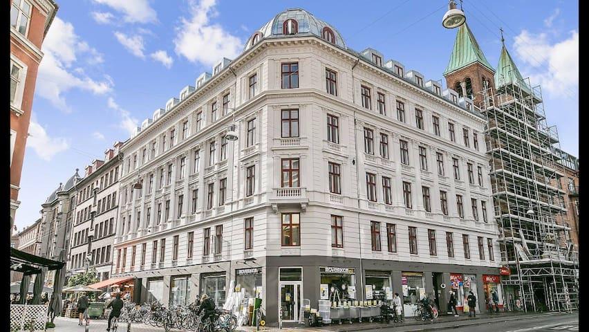 Fantastic 120 sqm: Best location in Copenhagen
