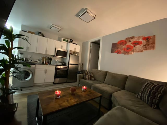 Shared room by the Central Park ( MALE ONLY )