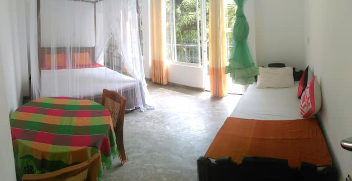 Aluthgedara Delux Triple Room with AC