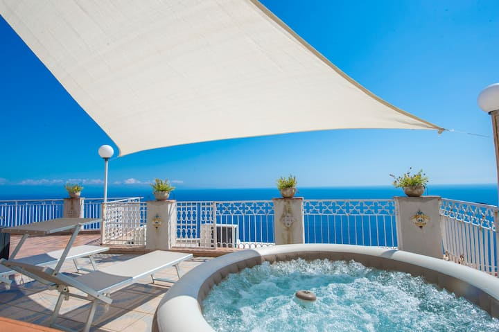 Piccola Tuoro - Large terrace with seaview Jacuzzi