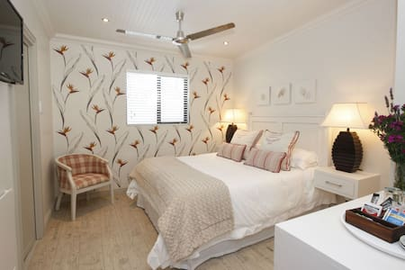 Standard Room Guest House - Hermanus - Bed & Breakfast