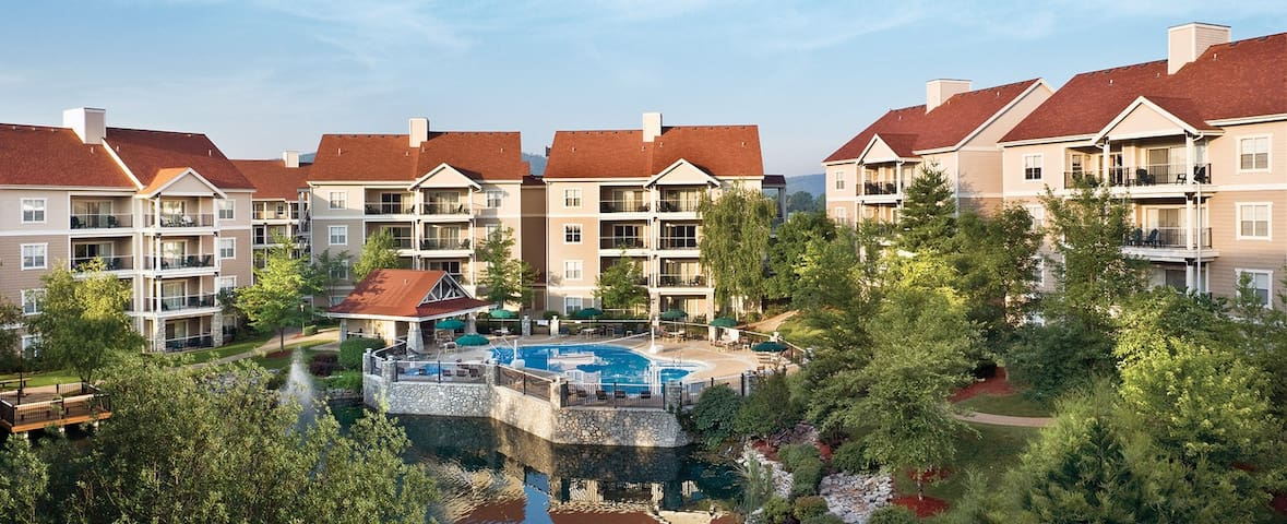 Wyndham Branson at the Meadows // 2 Bedroom Deluxe