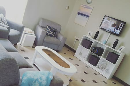 Amazing Room in Well Equipped House - Dar es Salaam - Appartement