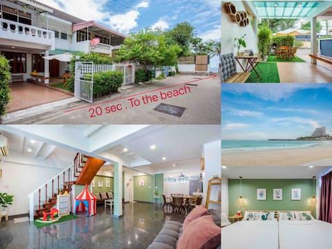 White beach house HuaHin/ 20 sec. to the beach