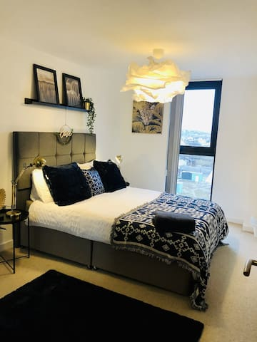 ★ SUPER STYLISH & COMFY SHEFFIELD CITY APARTMENT ★KING SIZE BEDS  ★ NETFLIX  ★
