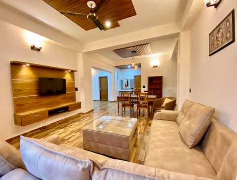 Wild Winds,3 Bed Room Independent Homestay,kitchen
