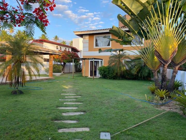 Casa com piscina em Condomínio Lagoa Dourada