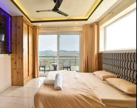 The Lalita's Pine Peak|Valley Facing Couple's Stay