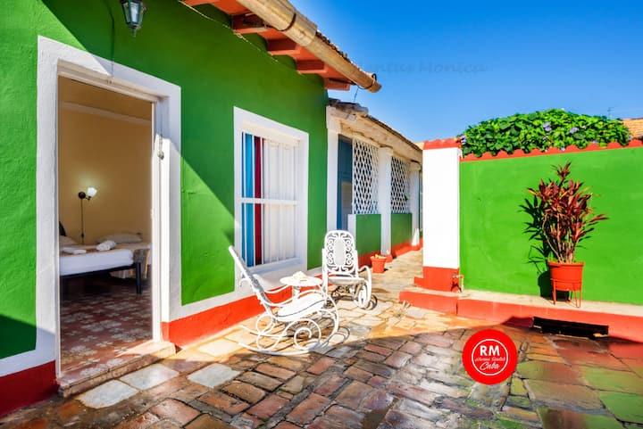 Amazing hots 2 bedroom 6 guest Trinidad WiFi T38