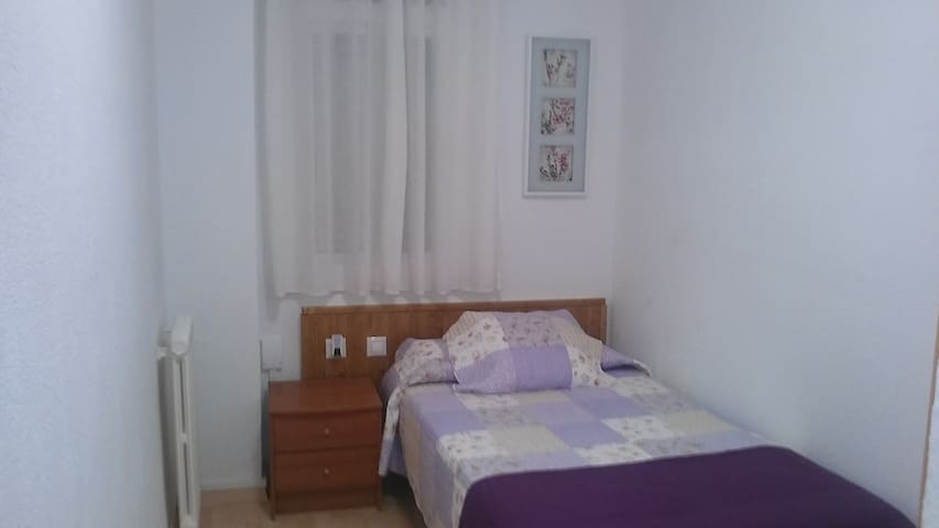 single quiet room near Sagrada Familia