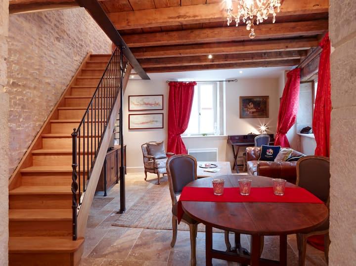 Le Coin. gorgeous 17th c Cottage central Meursault