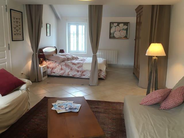 Private Room & Bathroom in Family Farm in Normandy