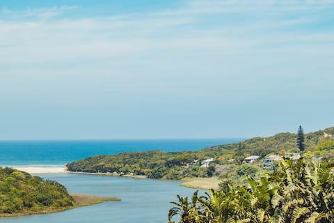 Hawks Hideaway TwOO , Sensational Sea View Retreat