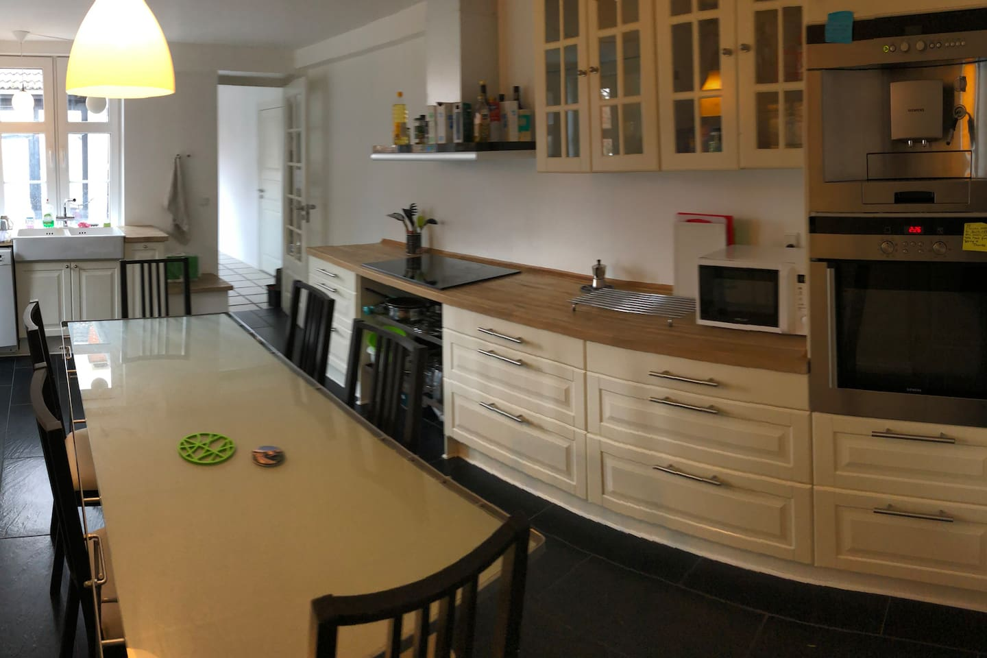 Cosy kitchen to socialize