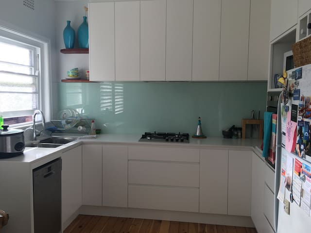 Renovated art deco home in Coogee - Coogee - Apartment