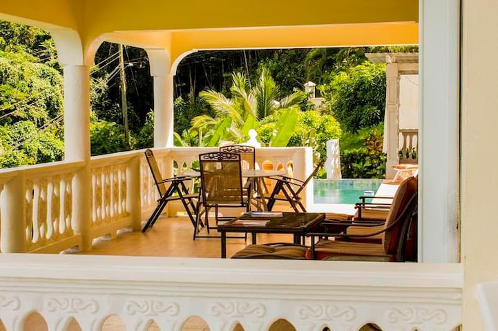 A beautiful home away from home - Marigot Bay - House
