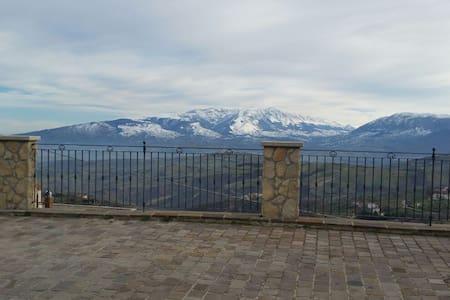 Appartam.parco nazionale d'Abruzzo  - Brittoli - Hus