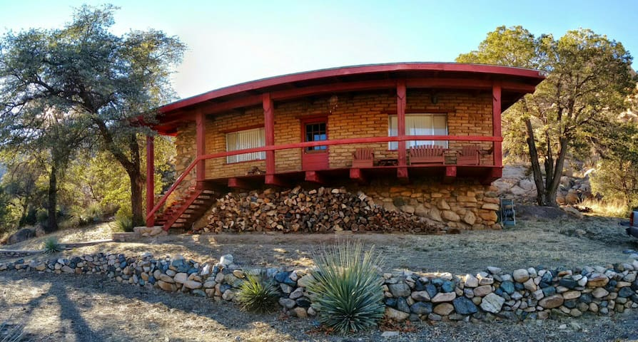Adobe and Wood Cabin in Cochise Stronghold Canyon - Cochise - Sommerhus/hytte