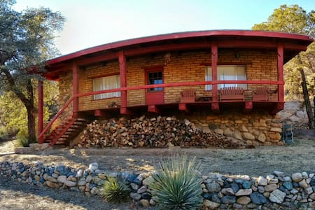 Adobe and Wood Cabin in Cochise Stronghold Canyon - Cochise - Stuga