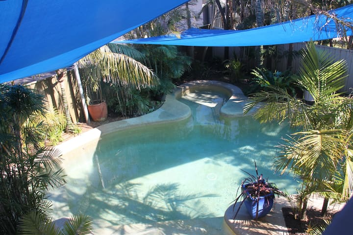 Salamander Beach Accommodation - Adults Only