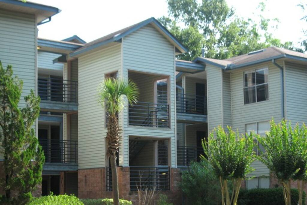 This is the front of the apartment complex which your apartment will be located. First floor!