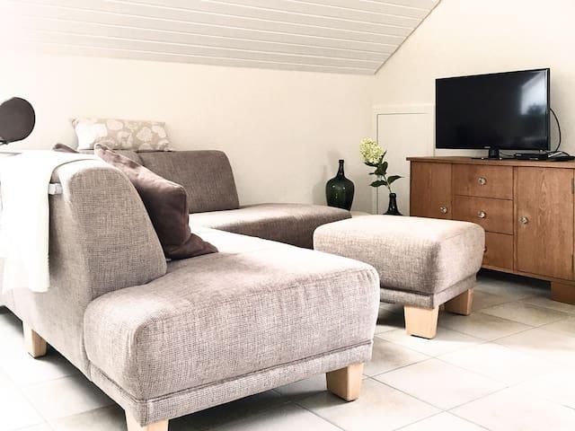 Casa Limone, (Ammerbuch), Ferienwohnung, 60qm, Balkon, 1 Schlafzimmer, max. 4 Personen