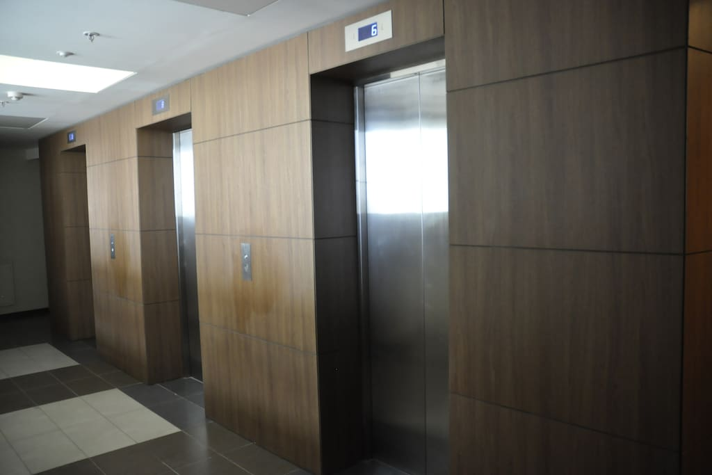 3 lifts for even floors