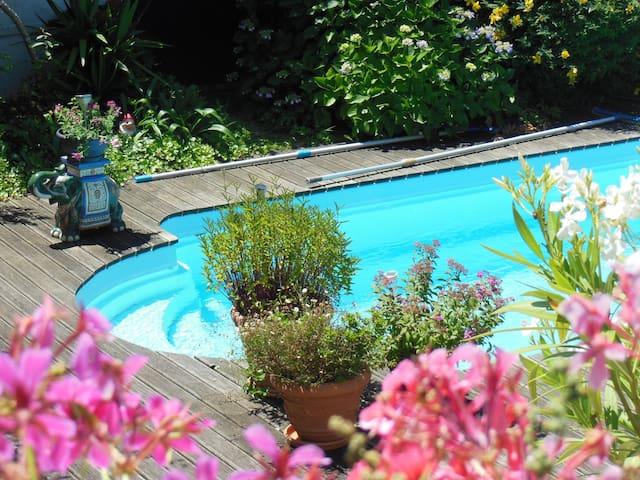 Charmante chambre Biarritz piscine - Biarritz - Casa