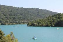 Lac de St Cassien - Zum Baden, Sonnen und Entspannen. Fernab vom Küstentrubel.