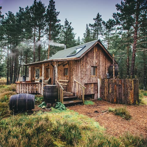 Quirky and luxurious eco-cabin for couples
