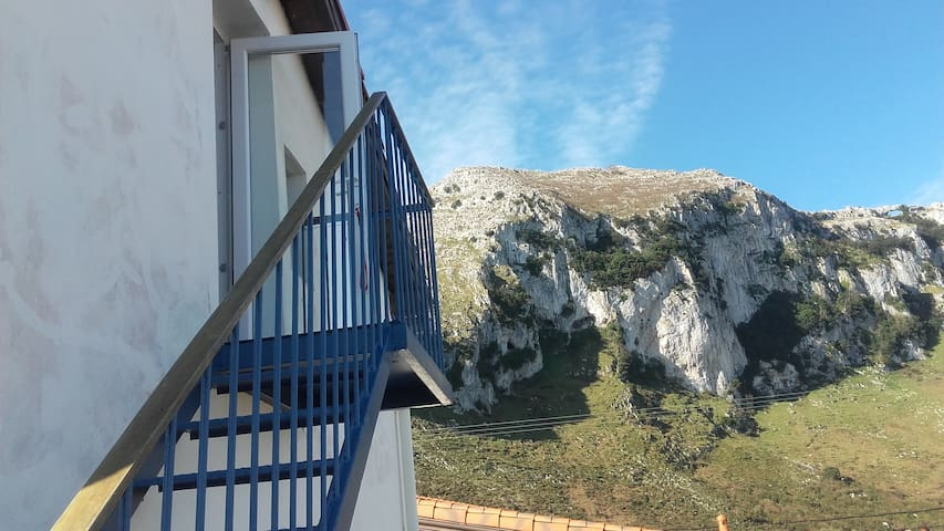 Vacational appartment between ocean and mountain