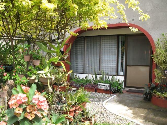 Stephanie's Guest House - Los Baños - Hus