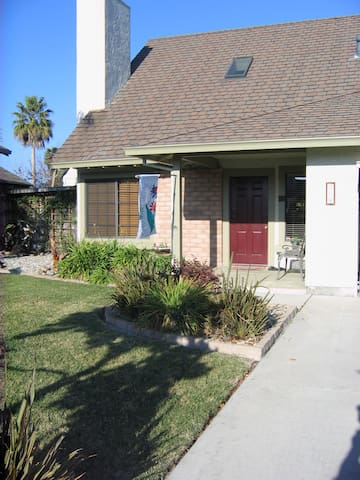 Cozy 1 bed/bath: extra room options - Watsonville - Haus