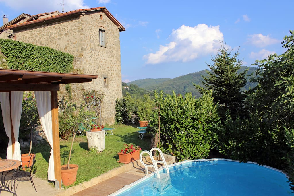 Rustic tuscan holiday home with stunning view w houses for Tuscan view guest house