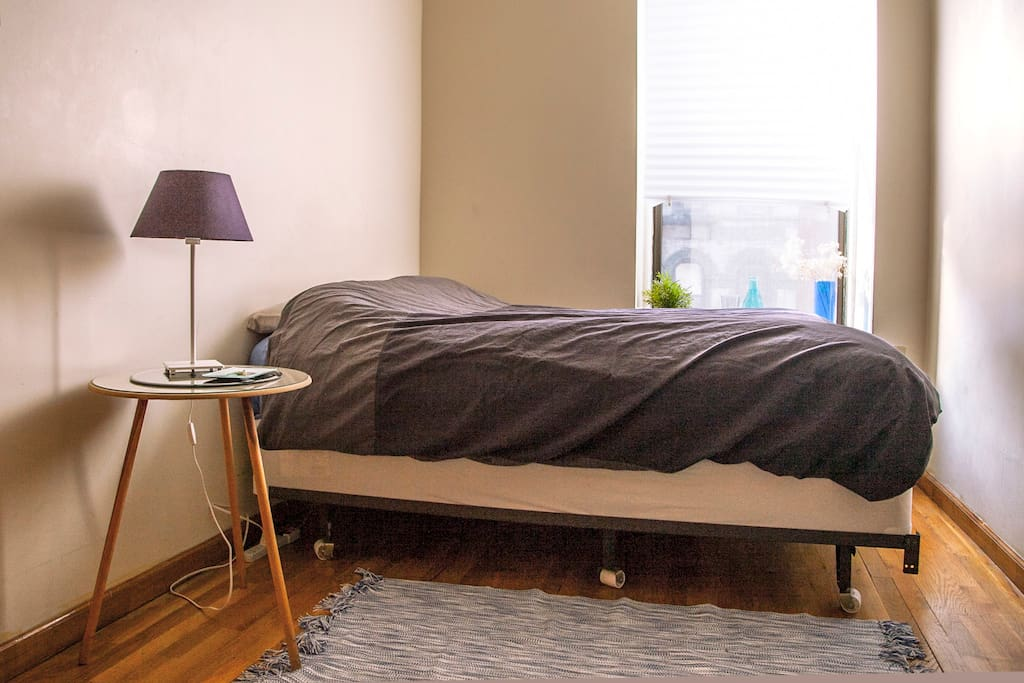 Cosy bed that can fit two 3