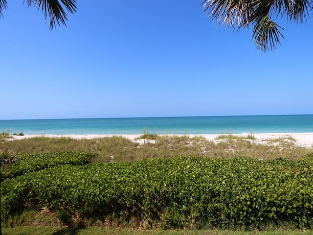 Whitney Beach #316: 2 BR / 2 BA Villa on Longboat Key by RVA, Sleeps 4