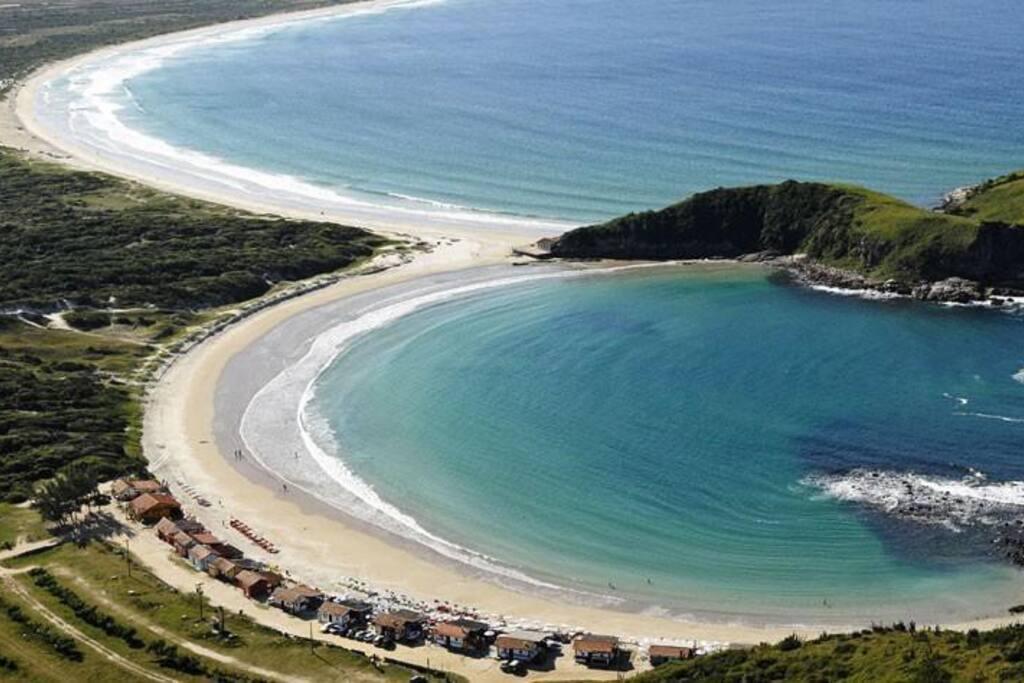 Vista da Praia das Conchas com a Praia do Peró ao fundo!