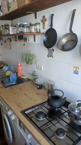 Calm room in Moabit, with shared kitchen/bath