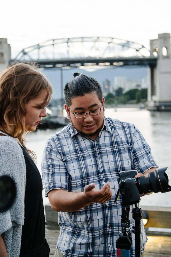 Ricardo explaining camera settings