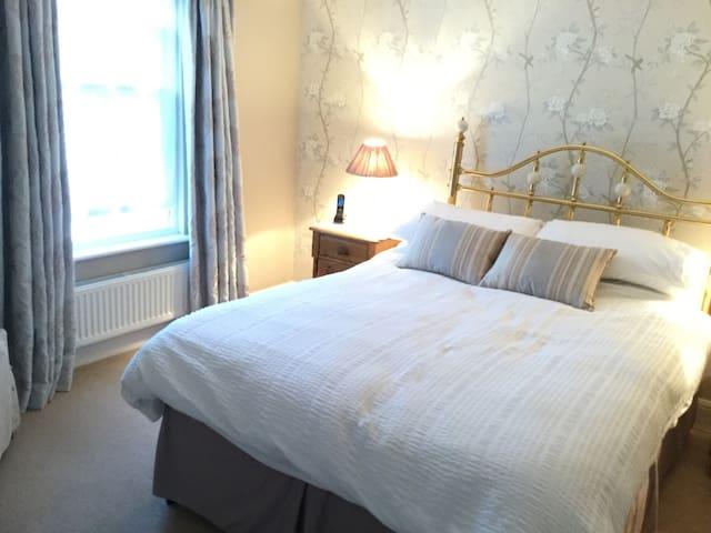 luxurious double en suite room