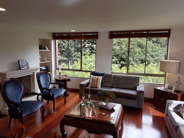 Comfy Double Bedroom with Private Bathroom - Bogotá - Huoneisto