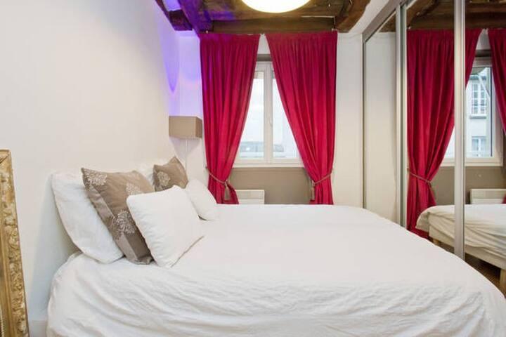 Marais - charming Room