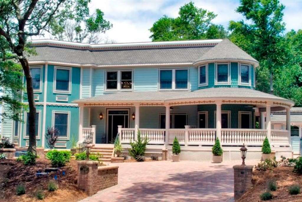 Victorian Estate In the heart of Duck, NC sleeps 18.