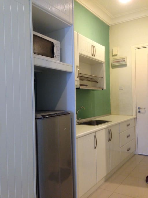 Pantry With Fridge, Microwave .Light cooking allowed :)
