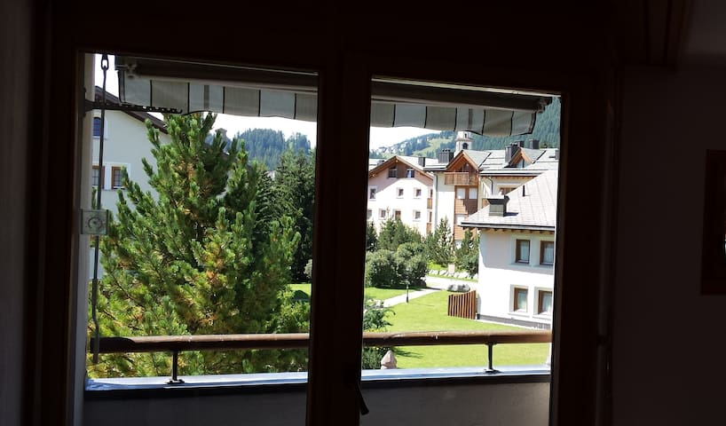 Beautiful new apartment in Celerina - Celerina/Schlarigna - Departamento
