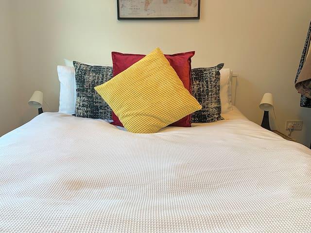 Bedroom in Bright & Stylish Flat near Shoreditch