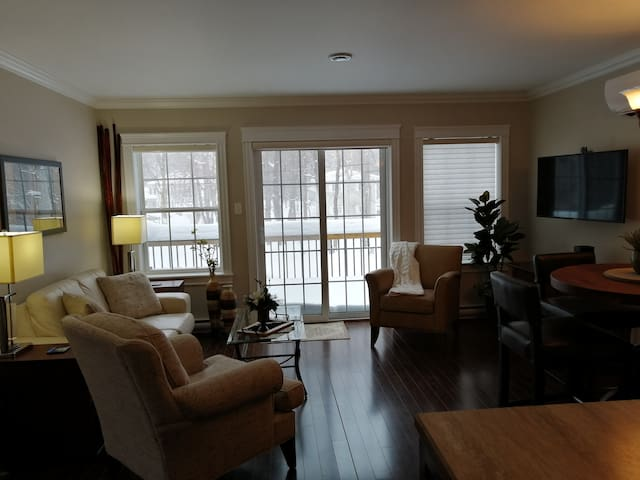 The Lofty Perch-2 bedrooms next to Marble Mountain